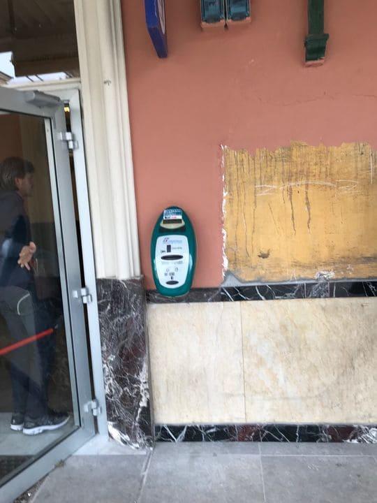 Maquina validar tickets trem Italia