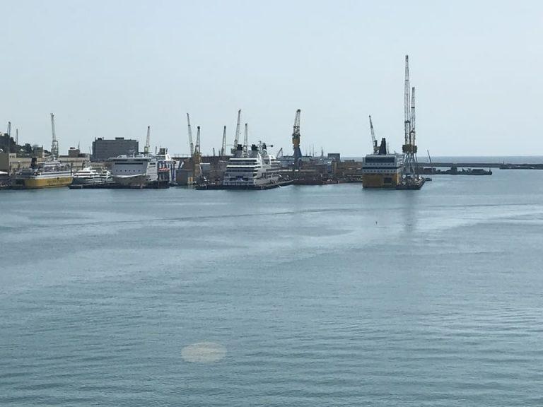 Super diques Porto Genova