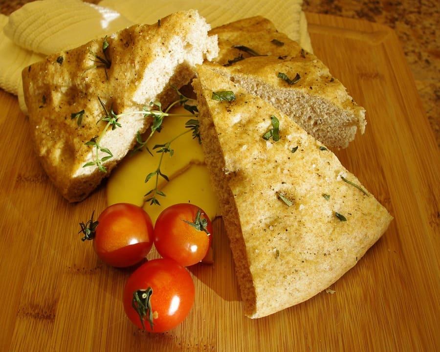 Focaccia col formaggio - Genova